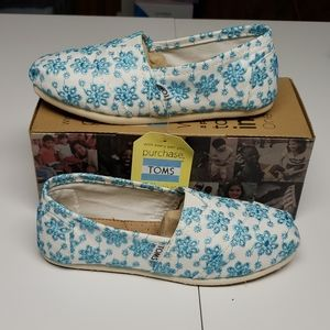 TOMS blue embroidered loafers